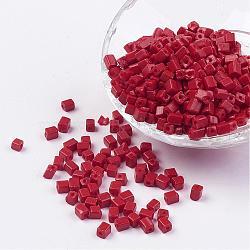 Perles de rocaille cubes en verre de couleur opaque, trou rond, rouge, 3~7x3~4x3~4mm, trou: 0.5 mm; environ 500 pcs / 50 g(X-SEED-R026-A22)