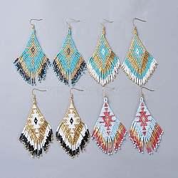 perles de rocaille japonaises faites à la main pendantes, boucles d'oreilles pompon, avec crochets d'oreilles en laiton, losange, couleur mélangée, 104~107 mm; broches: 0.7 mm(EJEW-JE03345-M)