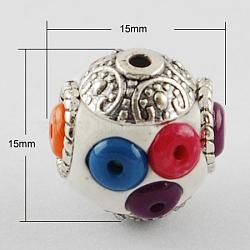 Perles Indonésiennes manuelles, avec des noyaux en alliage, rond, argent antique, floral blanc, 15x15x15mm, Trou: 2mm(X-IPDL-Q016-4)