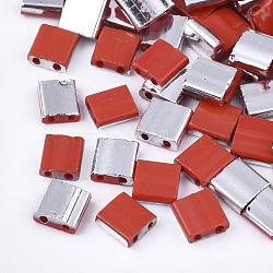 Déposer des perles de rocaille en verre opaque, 2-trou, rectangle, rouge, 5x4.5~5.5x2~2.5mm, Trou: 0.5~0.8mm(SEED-S023-18C-02D)