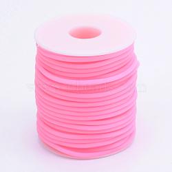 Tuyau creux corde en caoutchouc synthétique tubulaire pvc, enroulé aurond de plastique blanc bobine, hotpink, 4mm, trou: 2 mm; environ 15 m / rouleau(RCOR-R007-4mm-06)
