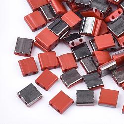 Déposer des perles de rocaille en verre opaque, 2-trou, rectangle, rouge, 5x4.5~5.5x2~2.5mm, Trou: 0.5~0.8mm(SEED-S023-18C-02B)
