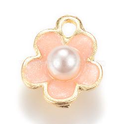 Breloques d'émail en alliage, avec abs en plastique imitation perle, fleur, or clair, peachpuff, 14x11.5x6mm, Trou: 2mm(X-ENAM-Q425-07)