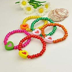 Bracelets en bois pour enfants, cadeaux de fête des enfants, avec des perles de coeur de couleur aléatoire, élastique, couleur mixte, 45mm(BJEW-JB00774)