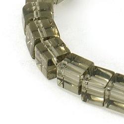 """4~5 mm cube perles de verre gris transparent brins, Trou: 1mm, Environ 75~78 pcs/chapelet, 13~14""""(X-GS4mm-C38)"""
