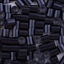 1 boîte 5 mm perles fondantes pe bricolage en perles à repasser recharges perler perles pour les enfants, Tube, noir, 5x5mm, trou: 3 mm; environ 500 / boîte(DIY-X0047-14-B)