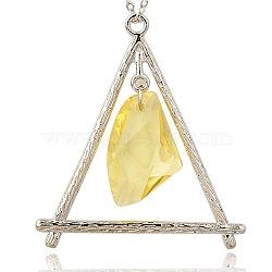 Alliage résine transparente grands pendentifs, triangle, de couleur métal platine , jaune de champagne, 68x66x10mm, Trou: 4mm(PALLOY-J140-01P)
