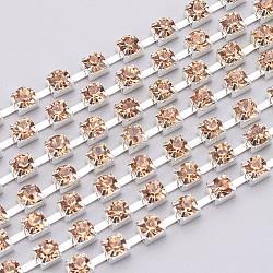 Chaînes en laiton avec strass, chaîne de tasse de rhinestone, 1440 pcs strass / bundle, Grade a, de couleur métal argent, lt.col.topaz, 2.8mm, 7.5 m / bundle(CHC-S12-14S)