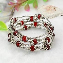 Bracelets enroulés à la mode, avec des perles de verre rondelles, Coupelles de style tibétain , laiton perles de tubes et de fils d'acier de la mémoire, rouge, diamètre intérieur: 55 mm(X-BJEW-JB00628-13)