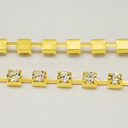 chaîne en laiton de tasse de rhinestone, chaînes de strass, Grade A, cristal, or, 8 mm, sur 17.6 m / bundle, avec 1440 pcs de strass(CHC-S37-G)