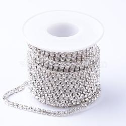 Chaînes en laiton avec strass, strass chaînes de tasse, avec bobine, argenterie, cristal, 2.3~2.4mm, environ 10 yard / rouleau(CHC-T001-SS8-01S)
