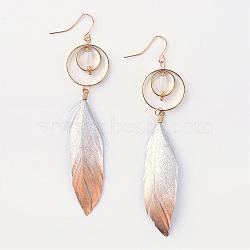 boucles d'oreilles plumes de mode, avec des conclusions en laiton de ton or doré et des perles de pierres précieuses, Sandybrown, 90~100 mm; broches: 0.8 mm(EJEW-R140-07A)