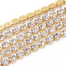 laiton strass chaînes de strass, strass chaînes de tasse, non plaqué, sans nickel, cristal, 2 mm, sur 10 yards / paquet(CHC-T003-SS6-01C)